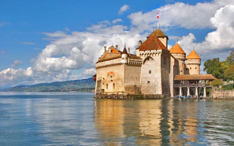 Schloss Chillon, eine Wasserburg bei Montreux
