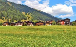 Ferienhäser für Urlaub in der Schweiz günstig