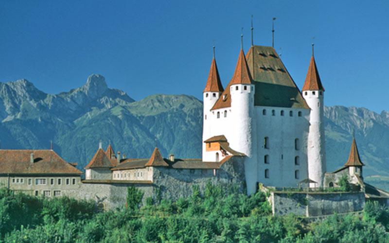 Schloss Thun im Berner Oberland