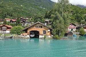 Ferienhäuser mit Seeblick in der Schweiz
