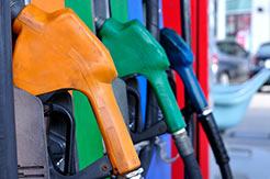 Pumpen an einer Tankstelle