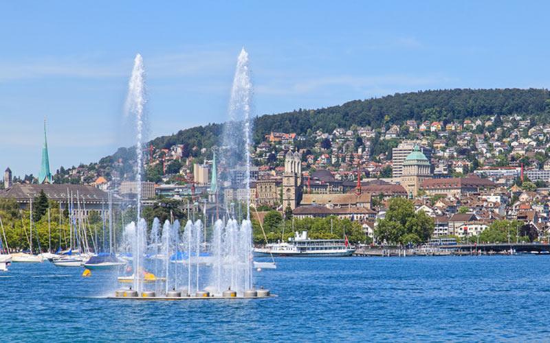 Wasserspiele vor Zürich am Zürichsee